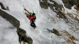 "Lori Crowningshield finda ""FAT"" ice in Damnation Gully"