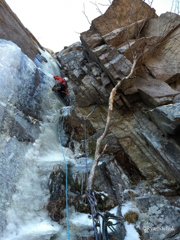 "Alden Pellett leads up pitch 2 of the mixed route, ""P'tite Tête,"""